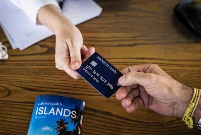 フリーターにおすすめのクレジットカード3.よく利用する店のカードを作る