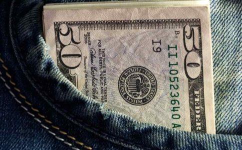 いくら稼いでいるものなの?フリーターの給料の平均が知りたい