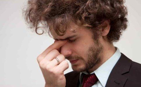 きつい仕事は我慢してはいけない!代表的な職業や生活に及ぼす影響、対処法を解説!