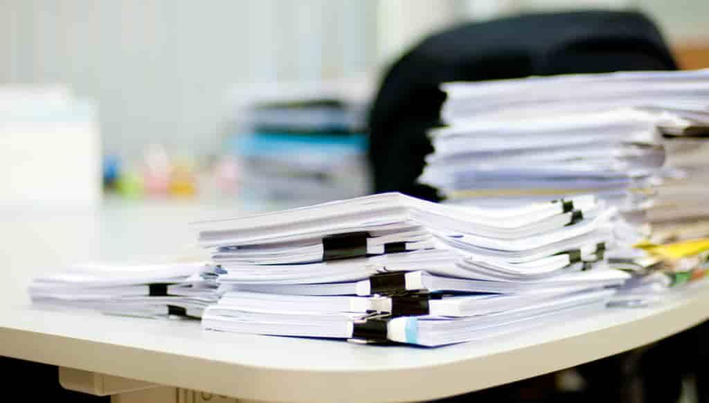書類整理のコツ3つ!オフィスのデスクがスッキリする整理整頓術とは