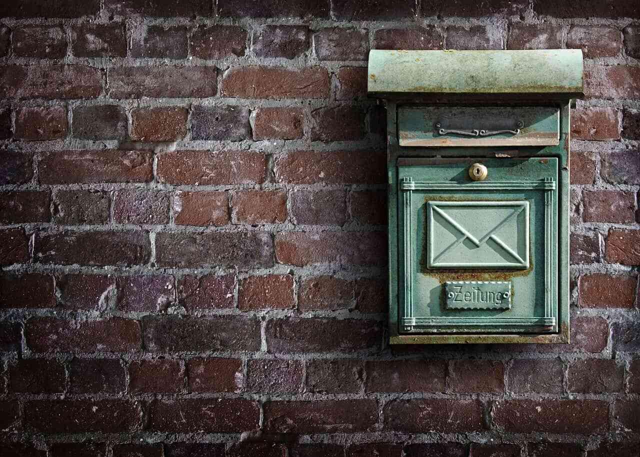 郵送でエントリーシートを送るときの注意点は?