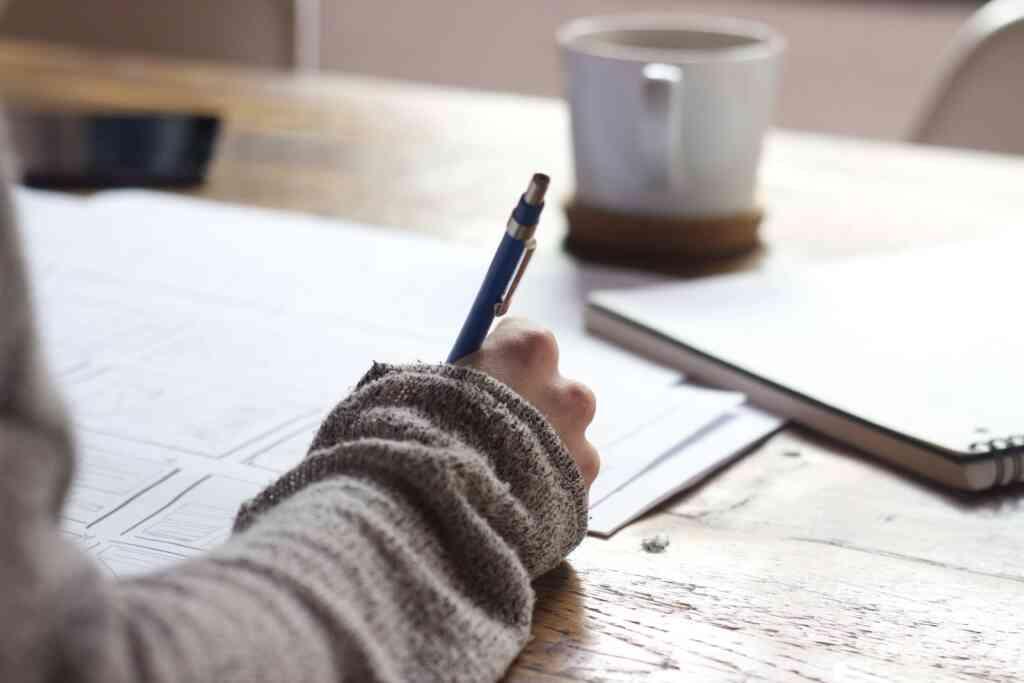 エントリーシートの書き方を紹介!就活で使える対策で企業から内定をもらおう