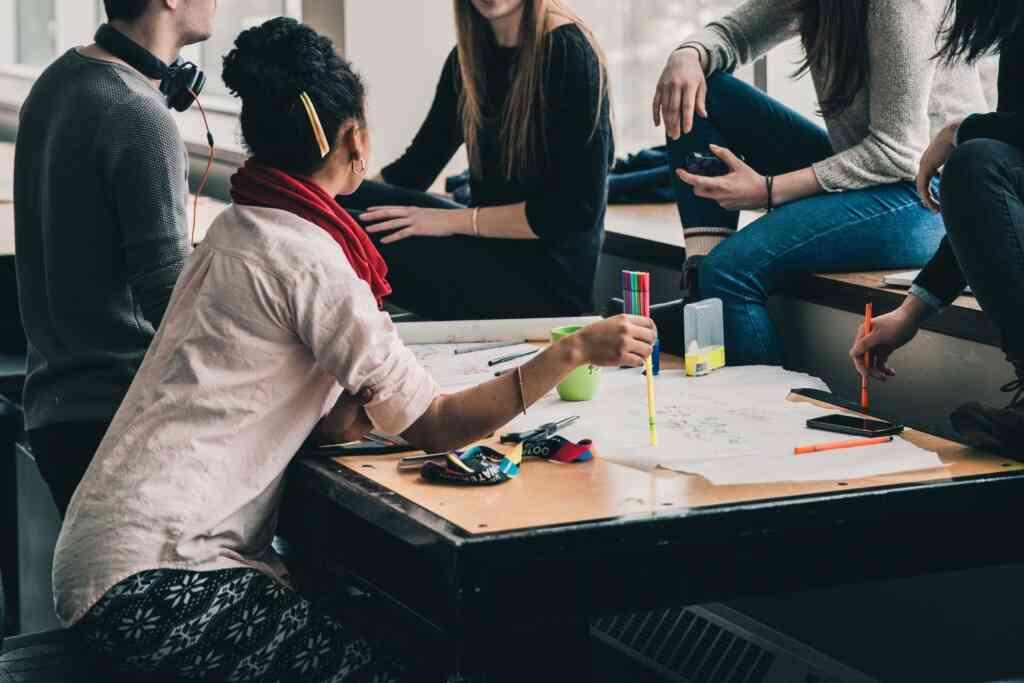 インターンシップとは~学生の疑問を解決!インターンに参加して就活を有利に進めよう~