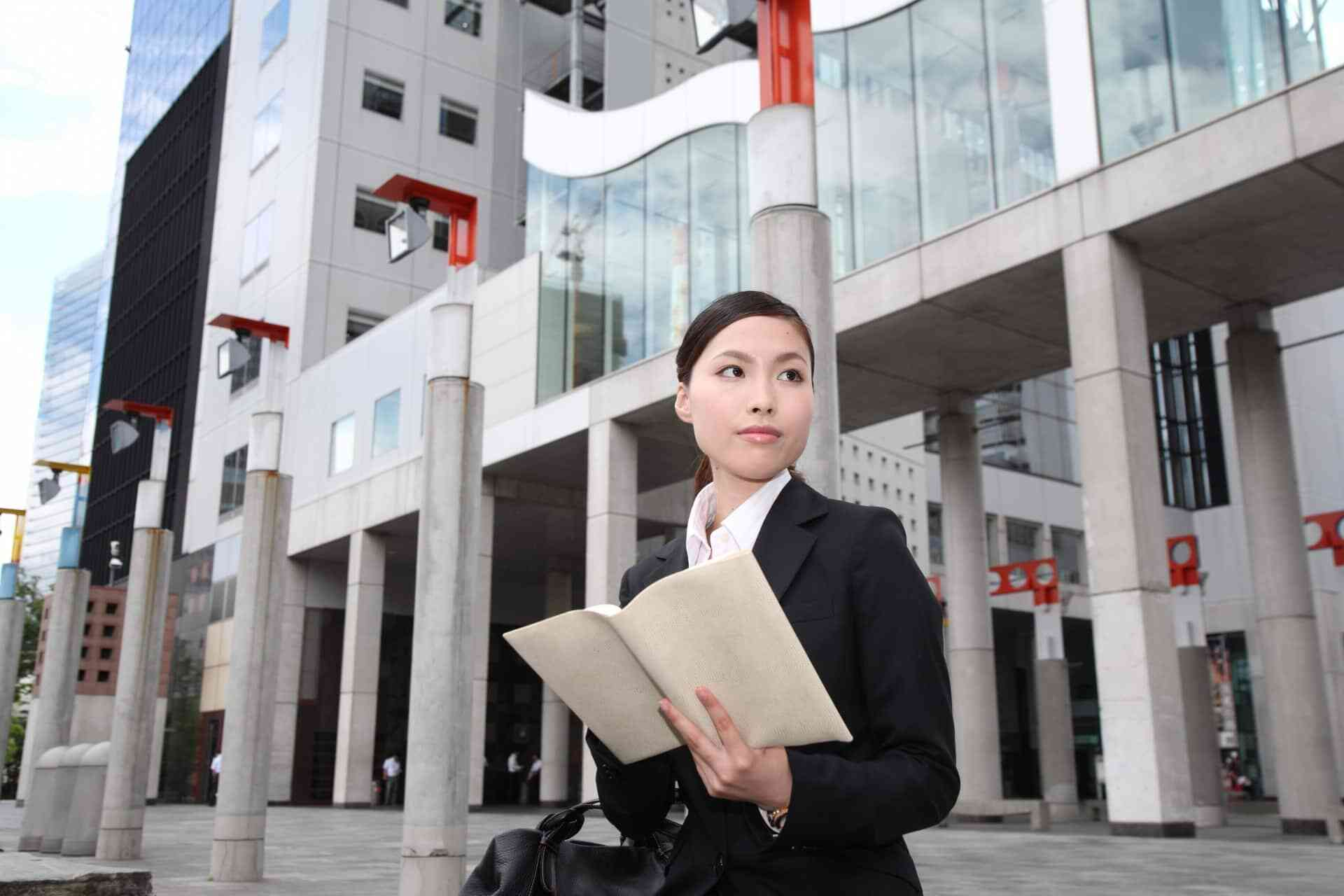 就活の面接マナーが必須の理由と一般的な流れを解説