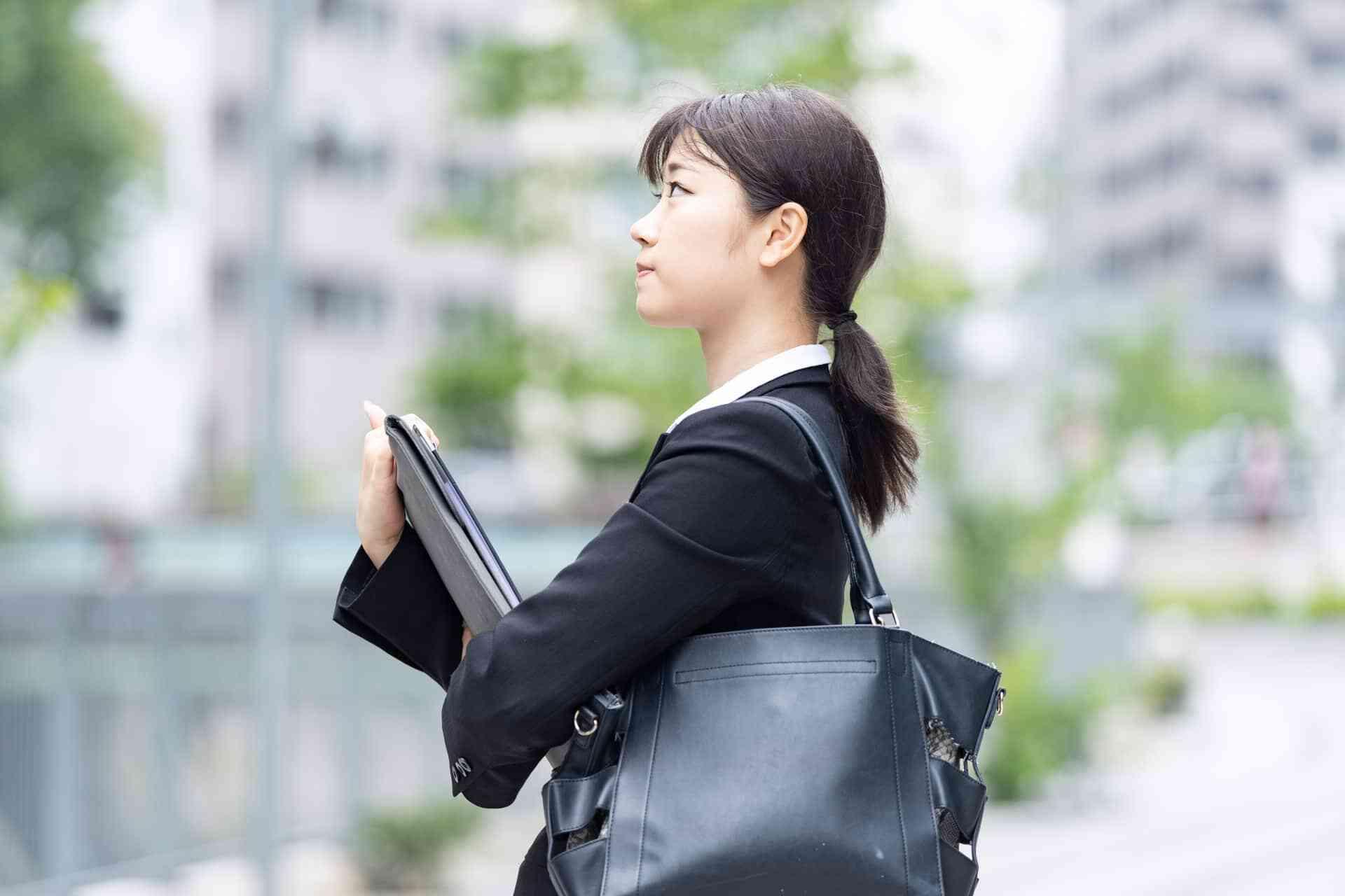 就活エージェントとは-種類とサービス利用の流れ