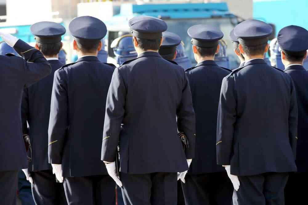高卒で警察官になりたい!試験内容や大卒との主な違いを紹介します!