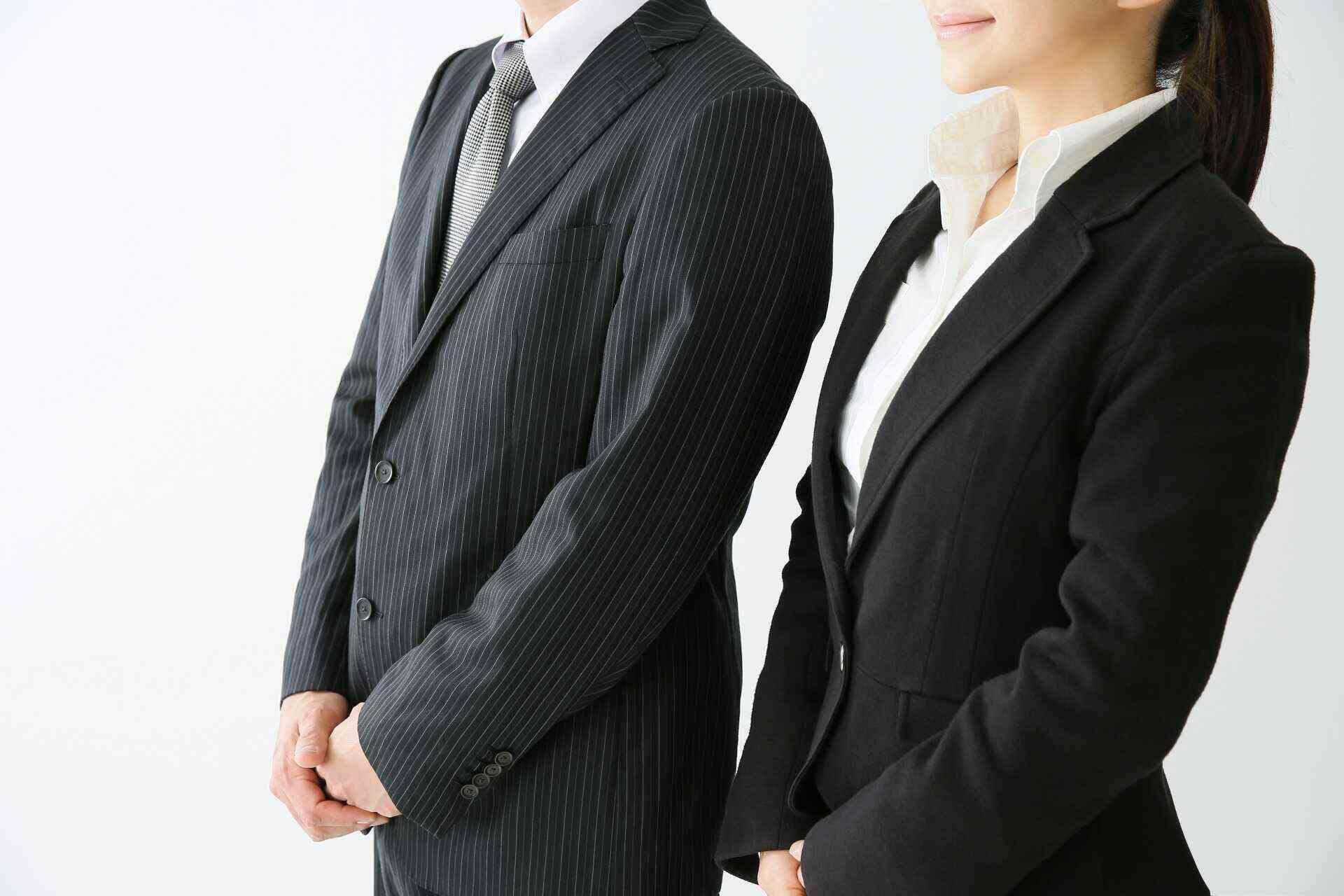 【男女別】リクルートスーツの必須アイテム