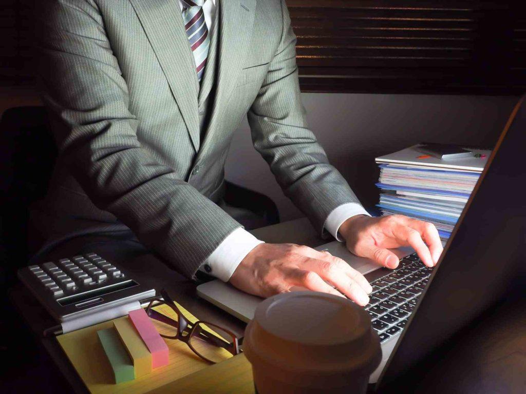 『残業がしたくない…』仕事や会社が合わないなら転職するべきか解説!