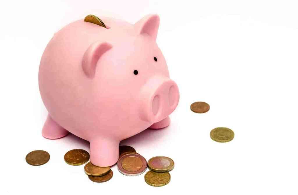 サラリーマンの平均月収は?