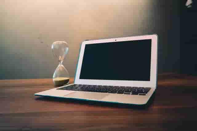 1週間の労働時間がポイント!完全週休二日制を導入する企業が多い理由