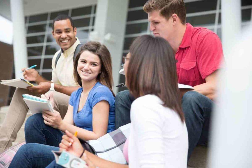 社会人が大学へ通う目的とは?