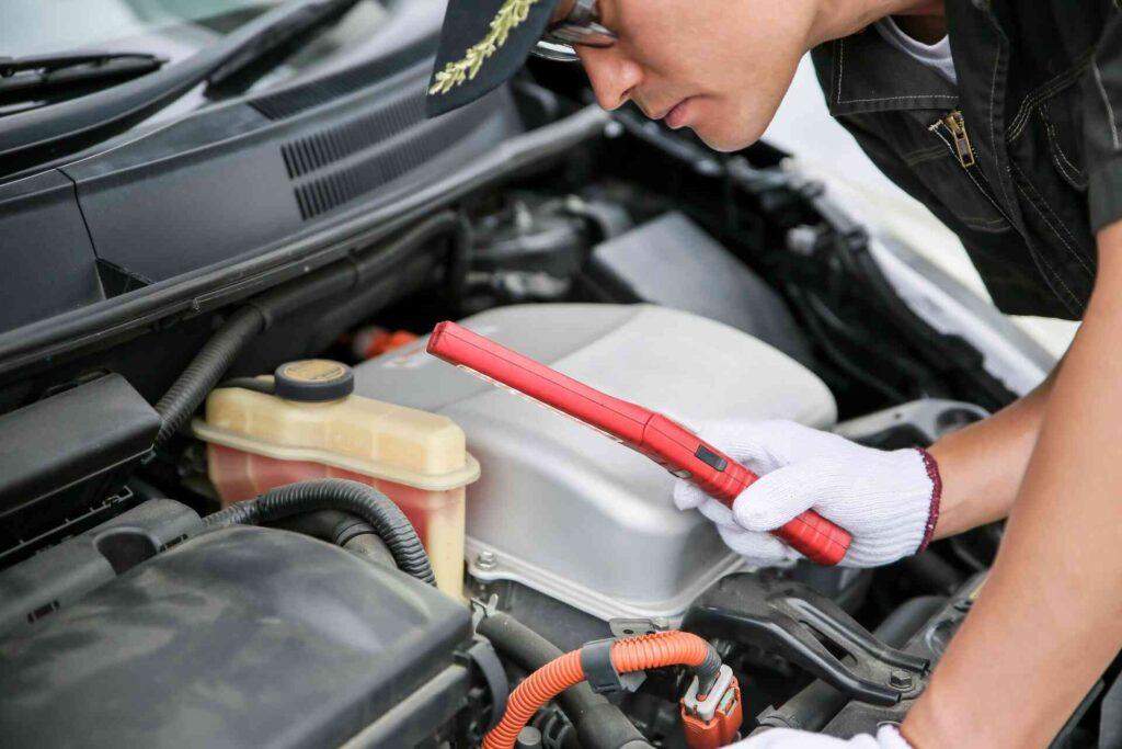 自動車整備士の年収は約391万円である