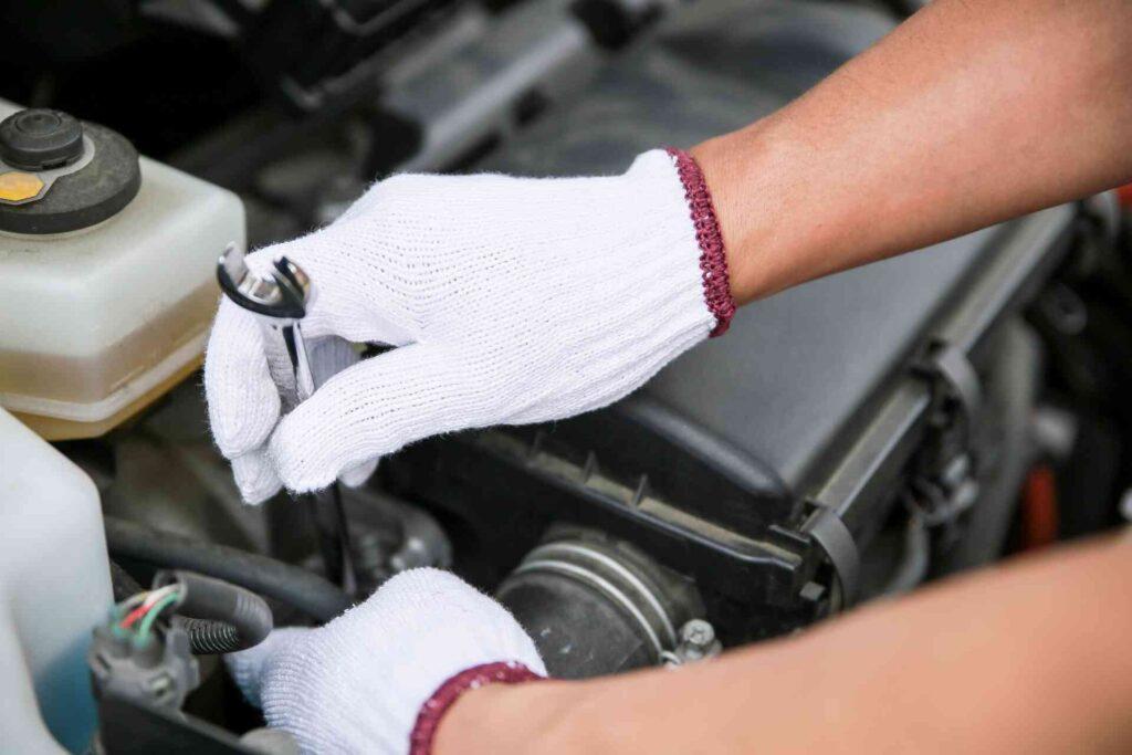自動車整備士の細かな仕事の内容