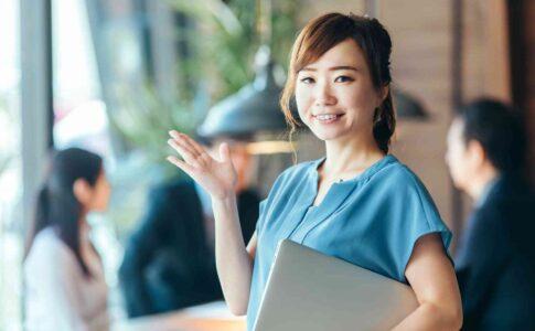 女性に人気の職業TOP10を紹介【男性にモテる職業も解説】