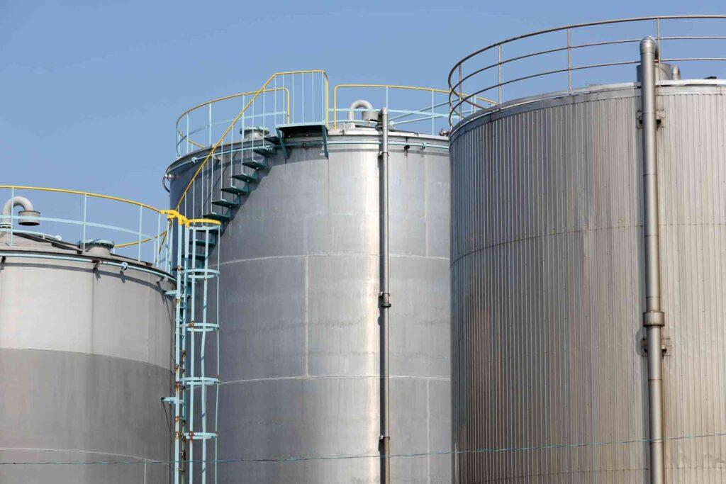 エネルギー業界とは~石油・ガス・電気の3分野の概要~
