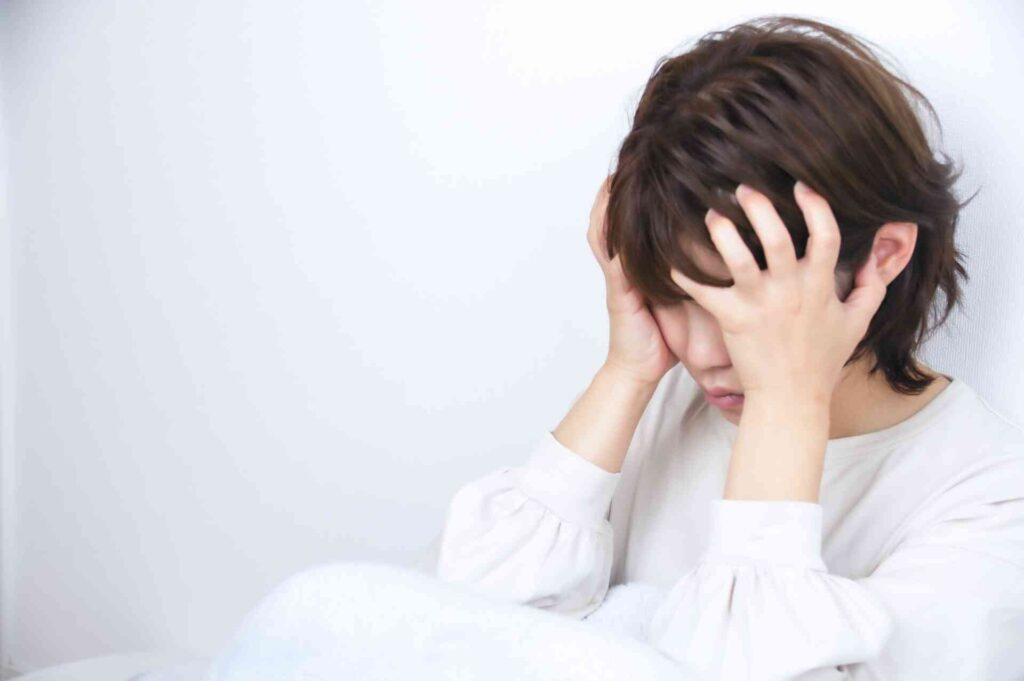 引きこもり女性が抱える悩みとは?女性ならではの問題点について